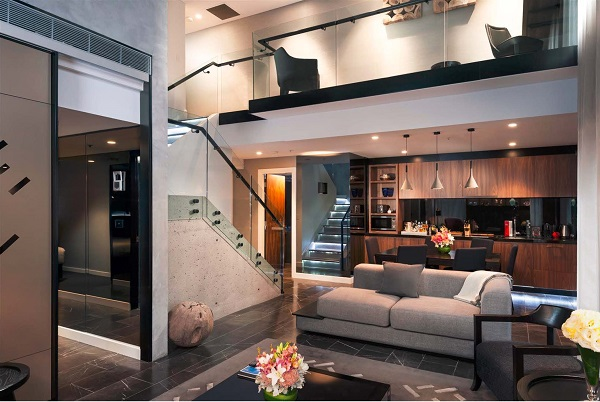 Stamford Melbourne Penthouse & Pool